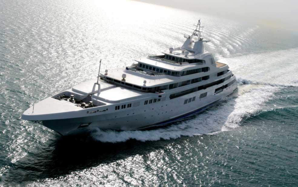 Яхта Dubai