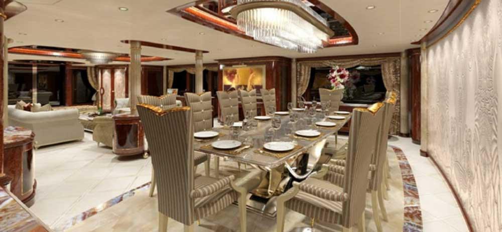 Яхта Azzam внутри