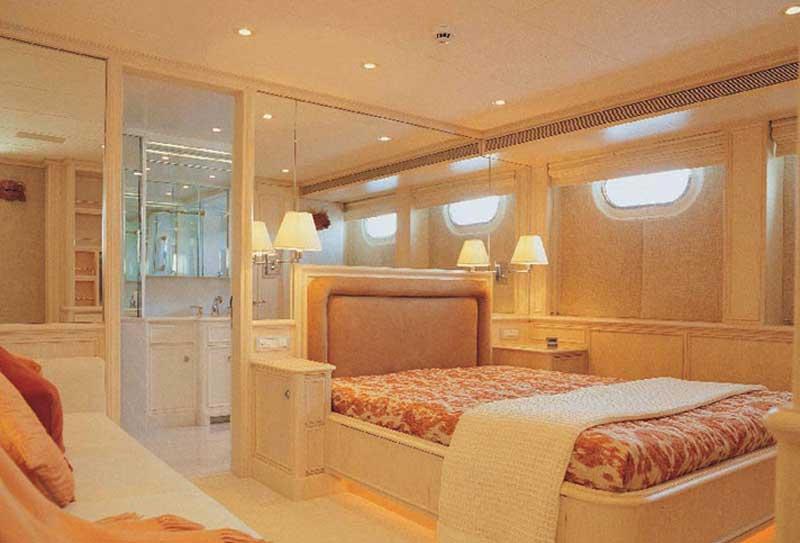 Yacht o Putin Olympia