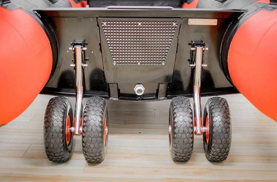 Резиновые надувные колеса на транец