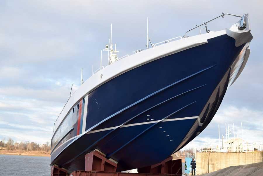 Лодка Мангуст