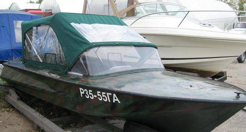 Лодка Обь-2 с тентом