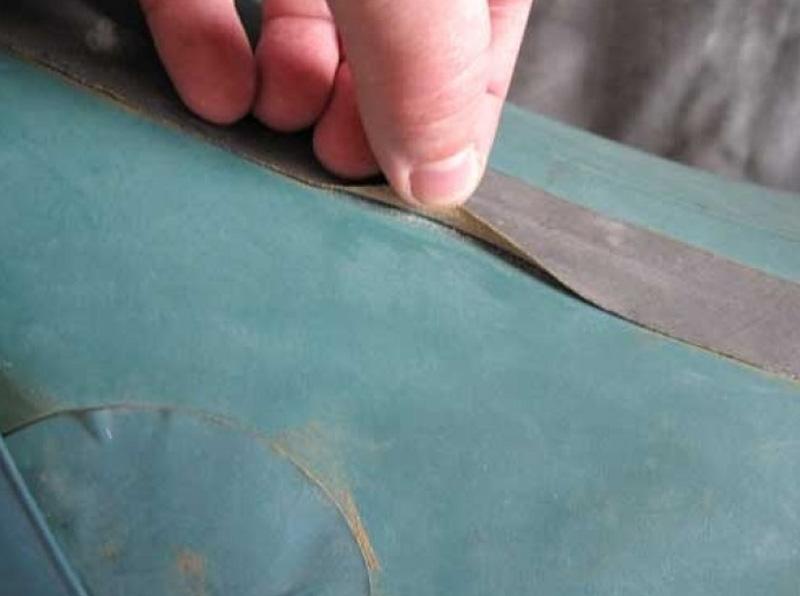 Проклейка и ремонт швов резиновой лодки