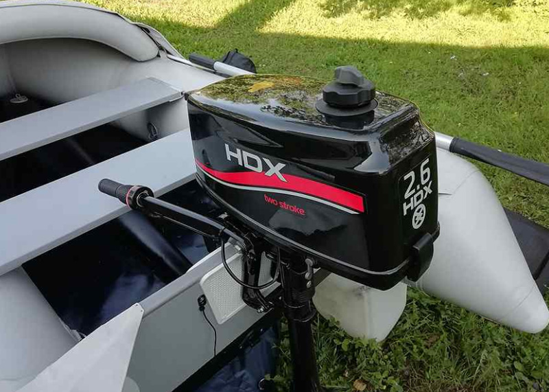 Двухтактный лодочный мотор НДХ
