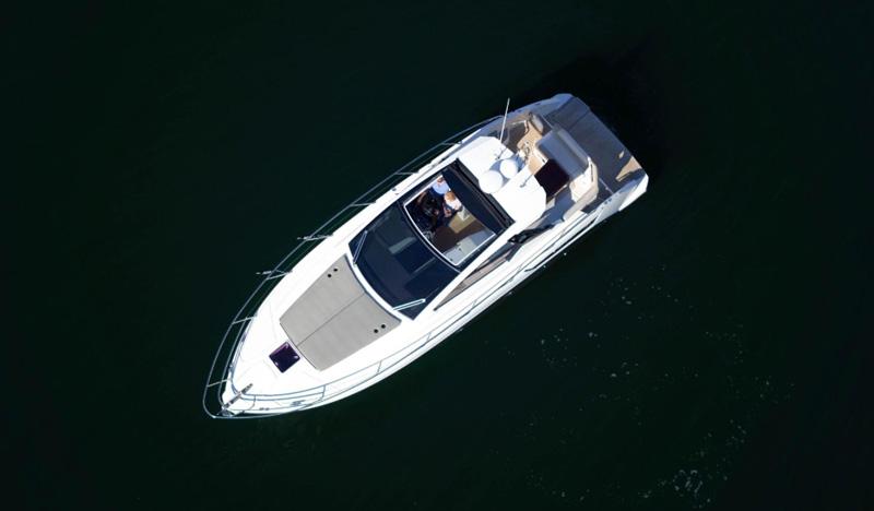 Моторная яхта Azimut 38 фото