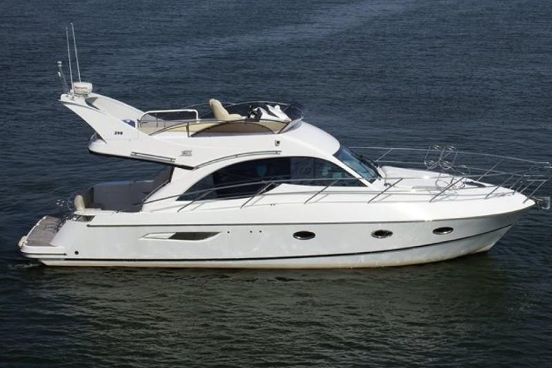 Яхта Галеон 390