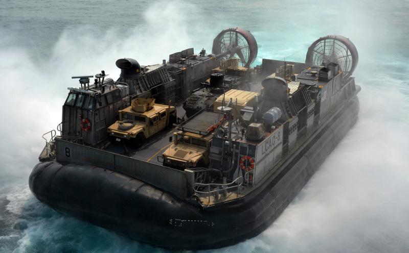 Катер на воздушной подушке ВМФ США