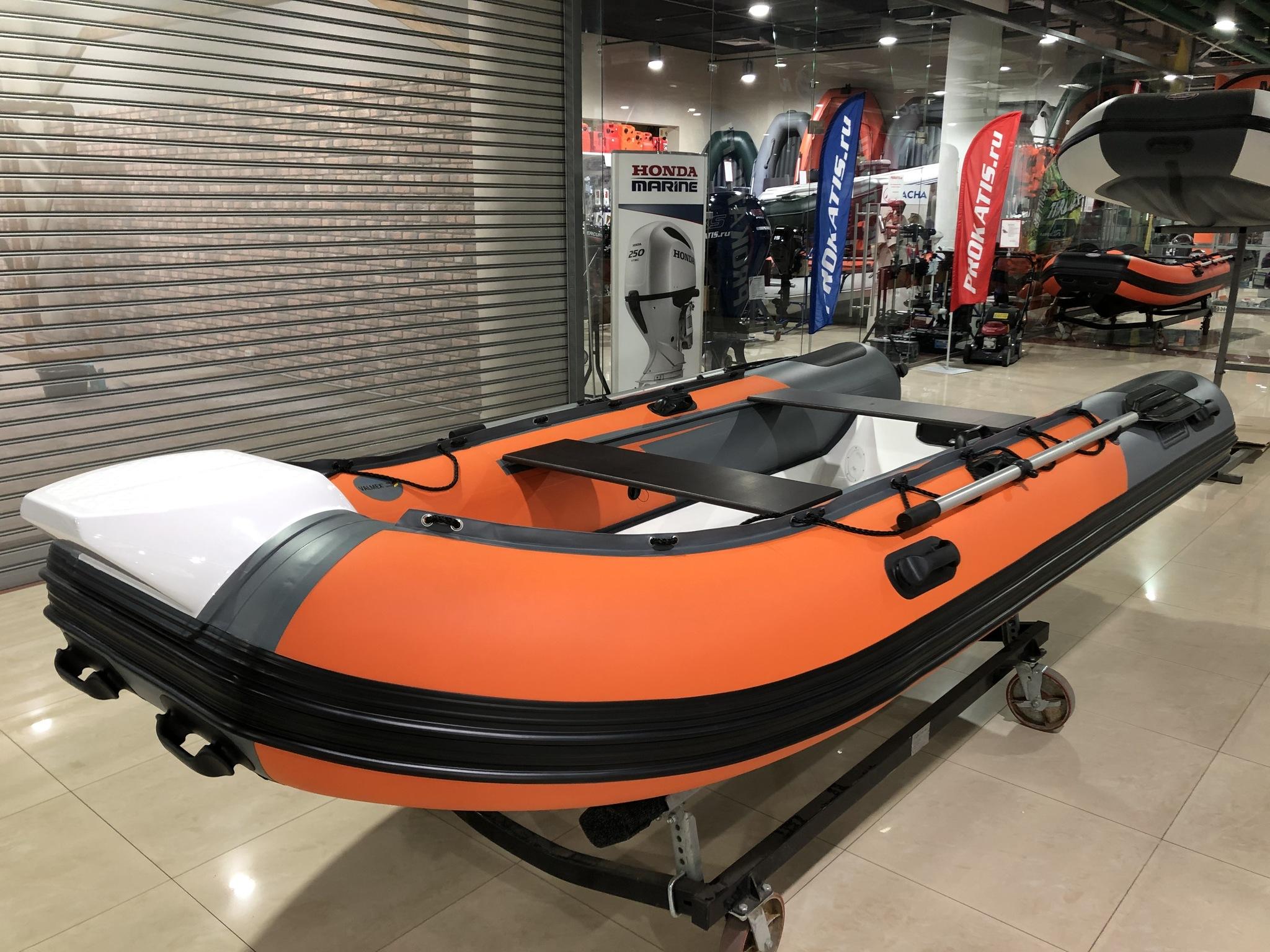 Чем Навигатор 380R PRO отличается от надувных лодок и катеров